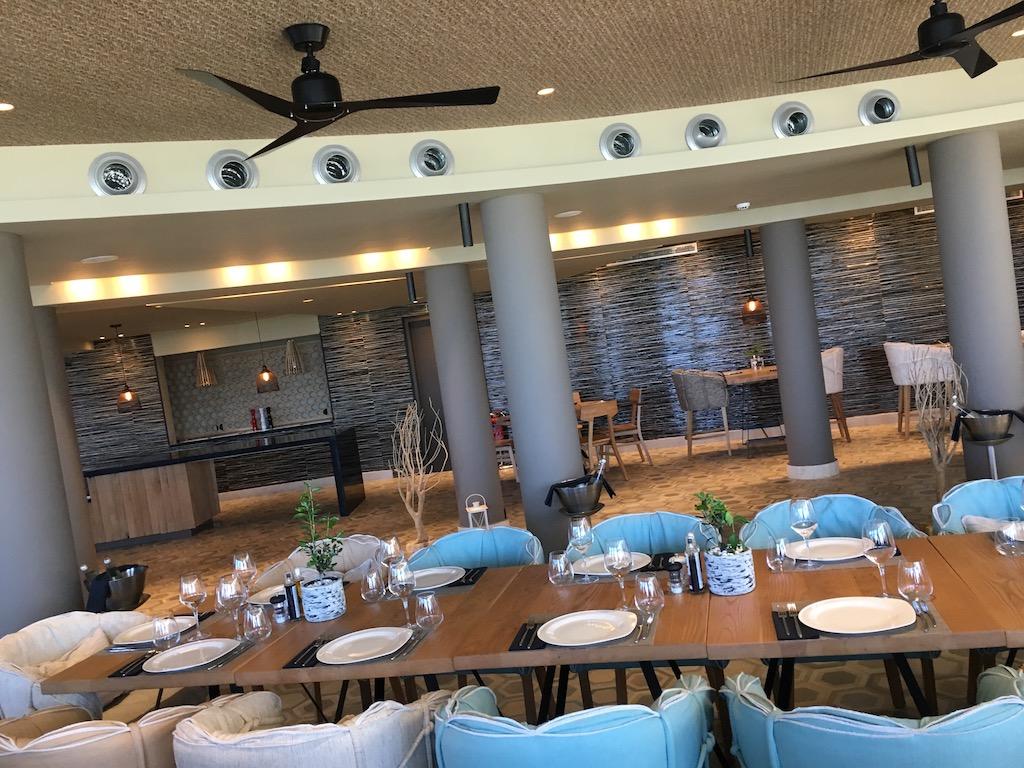 Zeen Restaurant Domes Noruz