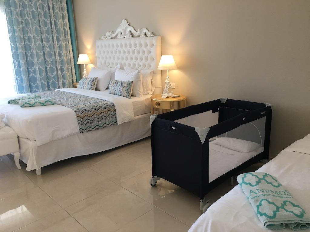 Anemos Deluxe Double Bedroom