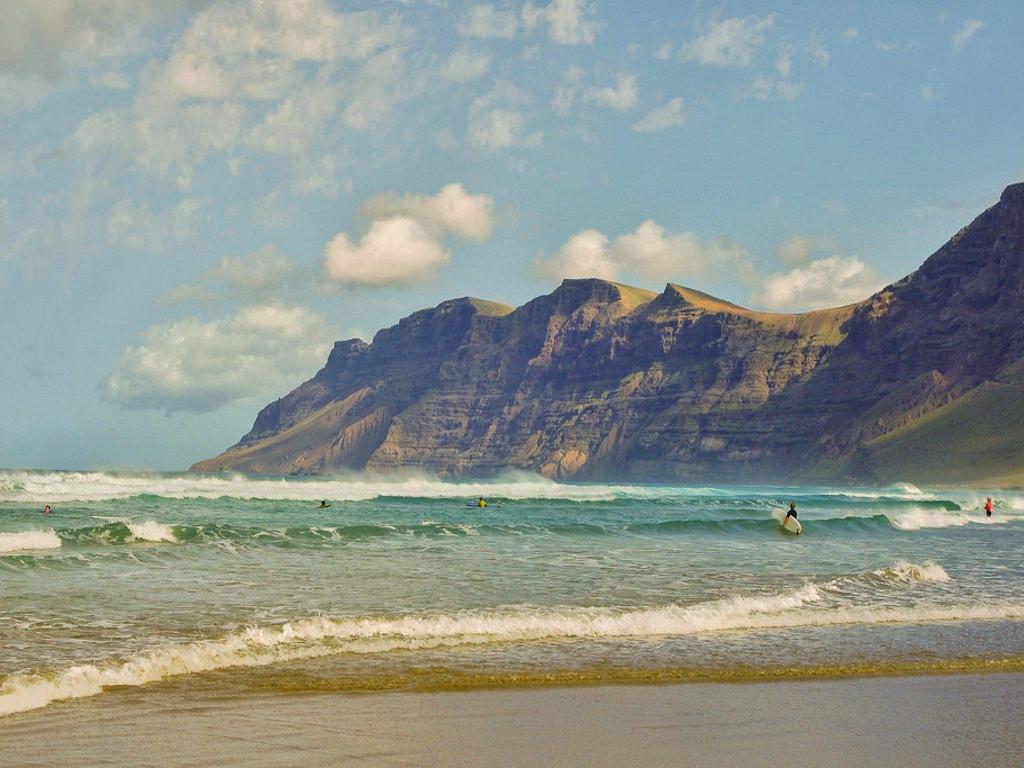 Waves at Famara beach