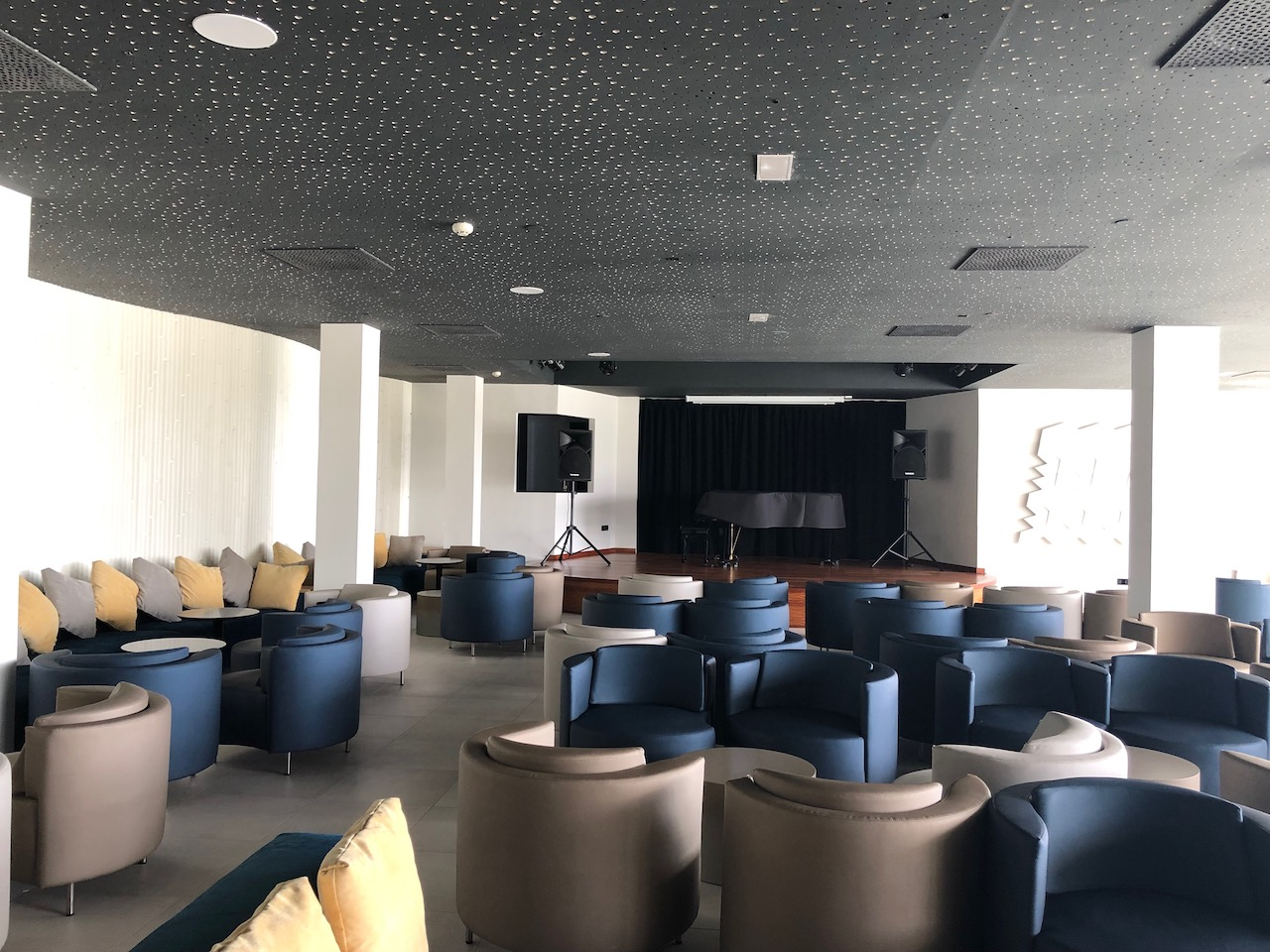 Lava Beach Hotel Piano Bar