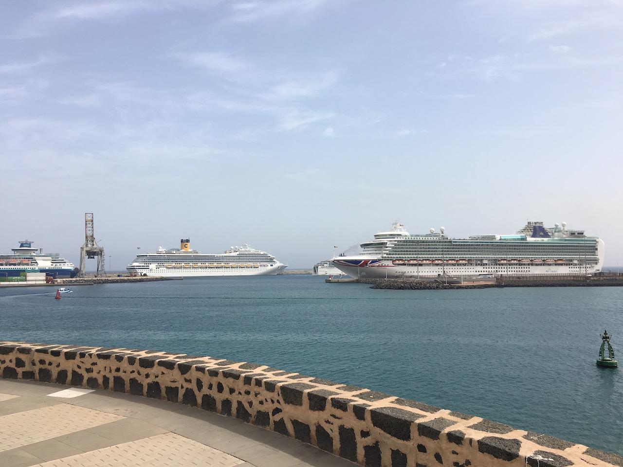 P&O Cruises Ventura in Lanzarote
