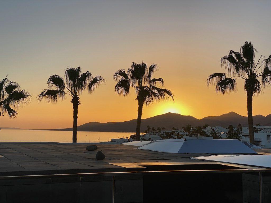La Isla y El Mar sunset view classic suite 705