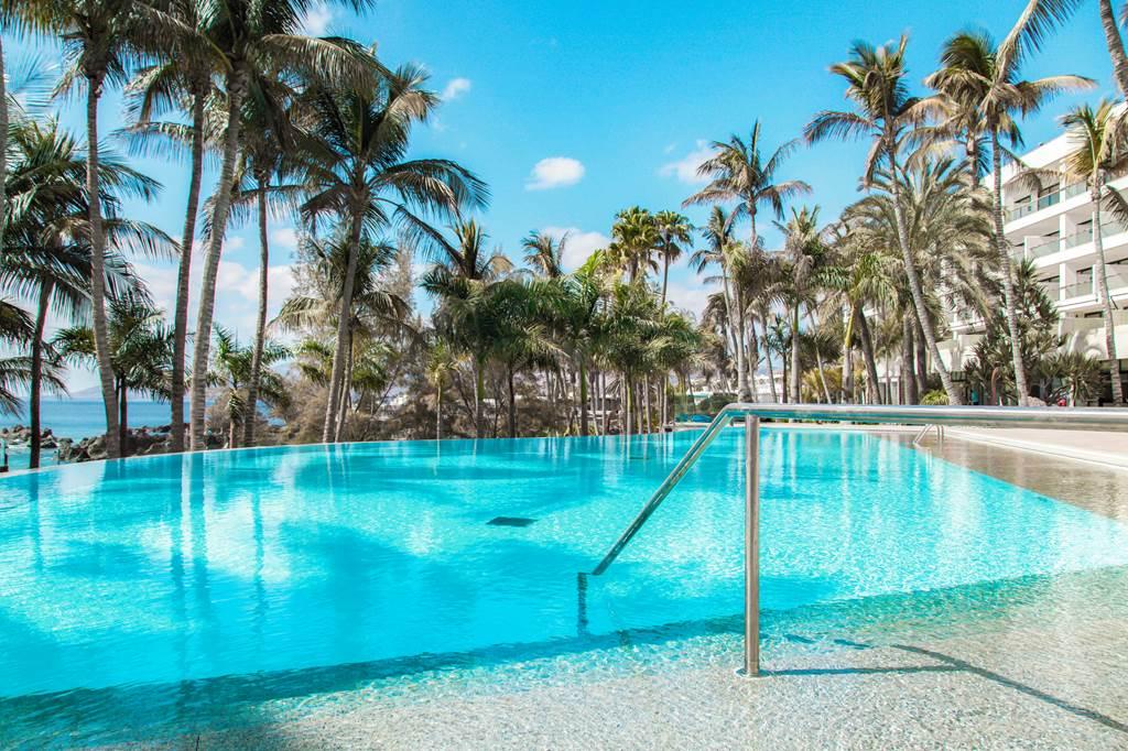 Hotel Fariones Pool