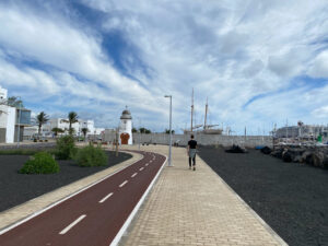 Cruise promenade